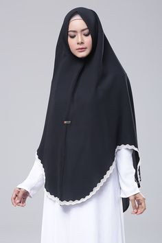 Black Modern Hijab Fashion, Abaya Fashion, Muslim Fashion, Fashion Outfits, Dress Anak, Modele Hijab, Hijab Chic, Islamic Clothing, Beautiful Hijab