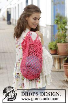 Sugar mesh / DROPS - free crochet patterns by .-Sugar Mesh / DROPS – Kostenlose Häkelanleitungen von DROPS Design Crocheted support net with chain stitches. The piece is worked from the bottom up in DROPS nutmeg. Filet Crochet, Crochet Shell Stitch, Crochet Stitches, Knit Crochet, Drops Design, Knitting Patterns Free, Free Knitting, Crochet Patterns, Single Crochet