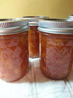 Sriracha Peach Jam (water bath)