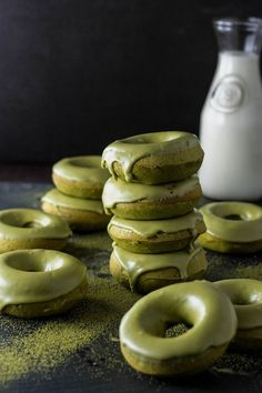 Matcha Doughnuts Recipe Hey you guys! it's nice to see you after a long time and we're more into Matcha now than ever! We've been meaning to make Matcha doughnuts for some time. Matcha doughnuts are. Green Tea Dessert, Matcha Dessert, Matcha Cake, Donut Recipes, Dessert Recipes, Cooking Recipes, Candy Recipes, Cooking Ideas, Baked Donuts