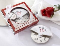 Want a 'pizza' his heart? These mini pizza cutter favors are sure to surprise your guests. Great as wedding favors, kitchen-themed bridal shower favors or cooking-themed engagement party favors. Dimensions: gift box x Wedding Favors And Gifts, Engagement Party Favors, Creative Wedding Favors, Baby Favors, Party Favours, Pizza Wedding, Pizza Wheel, Mini Pizza, Bridal Shower Favors