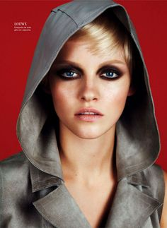Ginta Lapina in Loewe, Spring 2013 photographed by Txema Yeste for Harper's Bazaar Spain, February 2013 Stunning Makeup, Love Makeup, Makeup Looks, Neutral Makeup, Beauty Editorial, Editorial Fashion, Ginta Lapina, Harper's Bazaar, Beauty Make Up