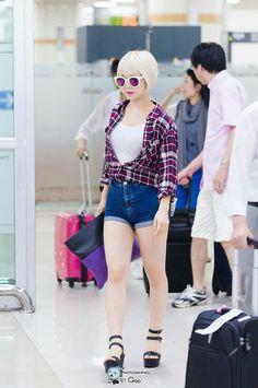 Choa casual airport fashion Fashion Idol, Kpop Fashion, Korean Fashion, Girl Fashion, Airport Fashion, Kpop Girl Groups, Korean Girl Groups, Kpop Girls, Kpop Outfits