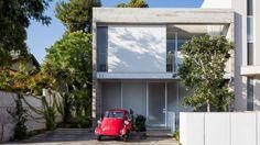 3322 Studio builds concrete home in Tel Aviv around enclosed patios