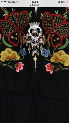 (1) FINN – Gudbrandsdalen festbunad m/rondastakk og rutaliv Beadwork, Ol, Norway, Brooch, Clothes, Jewelry, Fashion, Shandy, Needlepoint