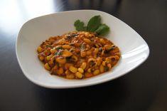 Schwarzaugenbohnen mit Champignons, ein raffiniertes Rezept aus der Kategorie Kochen. Bewertungen: 2. Durchschnitt: Ø 3,5. Chana Masala, Soul Food, Ethnic Recipes, Delicious Dishes, Veggie Food, Food For The Soul