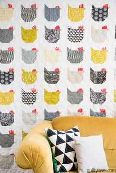 This chicken quilt is adorable! The project above is by Quiltylove but uses the free pattern over here. This Chicken quilt is going to look amazing in a farmhouse styled home or farm house. Quilt Patterns Free, Pattern Blocks, Free Pattern, Bird Patterns, Chicken Quilt, Chicken Pattern, History Of Quilting, Farm Quilt, Star Quilt Blocks
