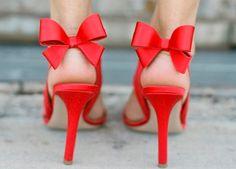 Söpöt rusetilliset kengät :)