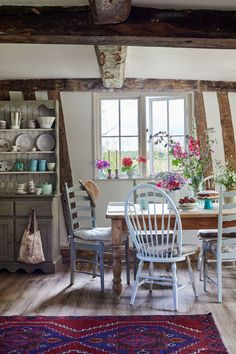 Country Cottage Interiors, Home Decor Country, Country Cottage Kitchens, Country Cottage Living Room, Cottage Style Decor, Cottage Ideas, English Country Cottages, English Farmhouse, English Country Decor