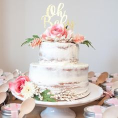 Naked floral cake for a floral baby shower, simple and classy! Torta Baby Shower, Baby Shower Kuchen, Tortas Baby Shower Niña, Girl Shower Cake, Idee Baby Shower, Classy Baby Shower, Baby Shower Host, Baby Shower Desserts, Baby Shower Brunch