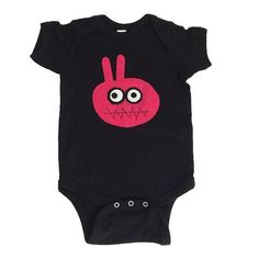 The organic cotton really sets this bodysuits apart from the rest. Cut specifically for home or outdoor activities. This handmade & hand-stitched bodysuit is here to make an impression! Would also make a memorable gift! Buy now, there's limited availability! #organiccotton #organicbabyclothes #bodysuit #babyclothes #organic #3babypenguins #babyboyboysuits