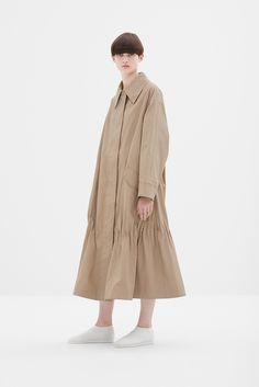How to Have the Best Minimalist Capsule Wardrobe for Summer Cos Fashion, Minimal Fashion, Hijab Fashion, Fashion Dresses, Womens Fashion, Fashion Trends, Fashion Design, Popular Dresses, Camel Coat