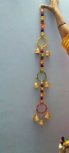 Diwali Decoration Items, Thali Decoration Ideas, Diwali Diy, Diwali Craft, Cd Crafts, Diy Crafts For Gifts, Bead Jewellery, Beaded Jewelry, Bridal Gift Wrapping Ideas