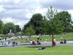 This is Lady Di's Memorial in the park...it is a oval water way that you walk through and it has all different sorts of things that you walk on...it was amazing and people use the parks like this everywhere...sitting in them and using them with their kids, enjoying the weather