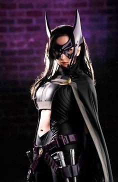 Huntress (DC Comics) by Riddle's Messy Wardrobe