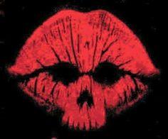 Skull kisses