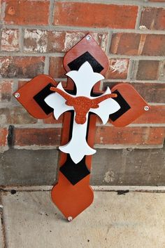 Longhorn cross....will have to remember for my daughter as a graduation gift if she ultimately goes to UT.