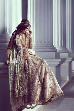 Suffuse by Sana Yasar Pakistan Pakistani Couture, Pakistani Bridal Dresses, Bridal Wedding Dresses, Indian Dresses, Wedding Outfits, Wedding Wear, Elegant Outfit, Elegant Dresses, Desi Bride