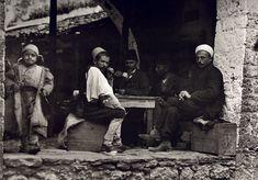 Παραμυθιά. 107 αριστουργηματικές φωτογραφίες μιας απλής, ήσυχης Ελλάδας (1903-1930) Μέσα απο το φακό του Μπουασονά -σε φωτογραφίες υψηλής ευκρίνειας Πηγή: www.lifo.gr