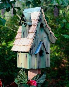 Fancy this rustic birdhouse in your garden... with charming dormer and shingled roof, it makes for a whimsically fun accent in the landscape. Boyd's Bungalow is handcrafted of durable cypress with perfect form and function to host many successful broods over the years. Complete with metal mounting plate and 1.5-inch entrance, it offers bluebirds, chickadees, wrens and other small cavity nesters the ideal home. Steep pitch, hand-cut shingled roof in contrasting cypress shakes, features…