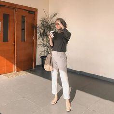 Modest Fashion Hijab, Modern Hijab Fashion, Street Hijab Fashion, Casual Hijab Outfit, Hijab Fashion Inspiration, Muslim Fashion, Ootd Hijab, Casual Outfits, Fashion Outfits