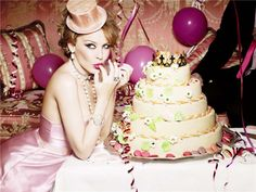 エレーン・ヴォン・アンワース/Ellen Von Unwert/1954 /Kylie Minogue - 2009