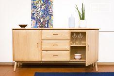 Buffet KADRELL en chêne beige - 😍Découvrir ici - #BuffetMaisonsduMonde #Buffet #MaisonsduMonde #tendances #meubles #rangement #Buffetenchene