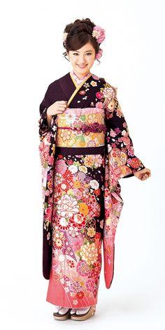 紫の振袖 一覧 | 柴宗の振袖カタログ|豊田市 みよし市 安城市 Japanese Costume, Japanese Kimono, Beautiful Japanese Girl, Japanese Beauty, Geisha, Yukata Kimono, Kimono Pattern, Japanese Outfits, Costumes For Women