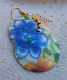 Blue Flower Earrings, Hand Beaded Dangle Earrings made with Shells, Flower Design Earrings by RivieBoutique on Etsy