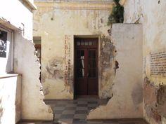 Biblioteca dos Livros Proibidos. Museo de Sitio y Archivo Provincial de la Memória, Córdoba.