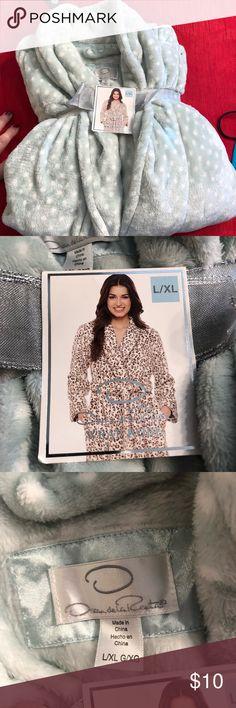 Ladies long robe Ladies robe NWT Oscar de la Renta Sleepwear Intimates & Sleepwear Robes
