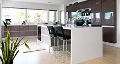 Familien Klevmo-Skrove i Verdal News Design, Kitchen Interior, Home Kitchens, House, Furniture, Home Decor, Cabinets, Tips, Color