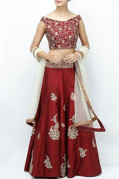 Want to buy Indian designer bridal Lehenga and personalized designer Lehenga Online? Get Latest Lehenga Designs Online Shopping at Carma Online Shop. Shop Now or step in to our nearest store to check the collection. Lehenga Skirt, Red Lehenga, Party Wear Lehenga, Lehenga Choli, Saree, Indian Wedding Lehenga, Indian Wedding Outfits, Indian Outfits, Indian Clothes