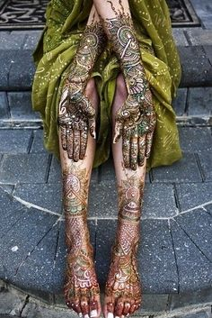 86 Stunning Henna Tattoos | 86 Stunning Henna Tattoos  Gorgeous... I wouldn't want permanent... maybe.