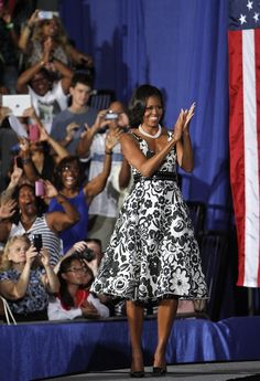 First Lady Michelle Obama wearing a Tracy Reese dress and a belt by Alaia. Love this look on her!