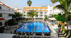 The large centre piece swimming pool is a top feature at the Beverly Hills Heights in Los Cristianos, Tenerife. #Beverly #Tenerife #Timeshare. http://www.timeshare-hypermarket.com/beverly-hills-heights.aspx