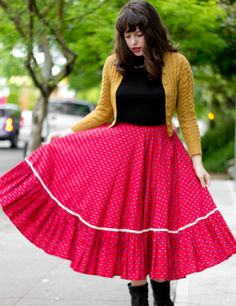 Love this color combo. I steal style inspiration from Solanah more than she will ever know. picture by VixenVintage - Photobucket
