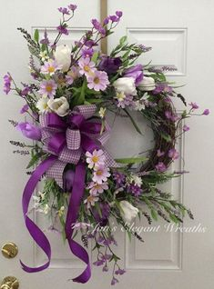 DIY Flower Projects – There is nothing quite like fresh flower arrangements for the house decoration. It does not only improve the house by its aesthetical aspect. Read MoreBest DIY Flower Projects with Simple Tools and Materials Purple Wreath, Tulip Wreath, Lavender Wreath, Wreath Crafts, Diy Wreath, Wreath Ideas, Easter Wreaths, Holiday Wreaths, Deco Mesh Wreaths