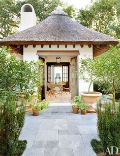 Baton Rouge residence, LA, designed by McAlpine Tankersley Architecture, and decorated by McAlpine Booth & Ferrier. Architectural Digest.
