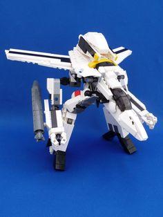 Macross/Robotech LEGO That Transforms - Gerwalk