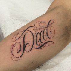 Tattoo Lettering Styles, Chicano Lettering, Graffiti Lettering, Dad Tattoos, Future Tattoos, Body Art Tattoos, Small Tattoos, Tattoo Fonts Alphabet, Letras Tattoo