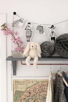 de-leukste-manieren-om-kleding-op-te-hangen-in-de-kinderkamer-10
