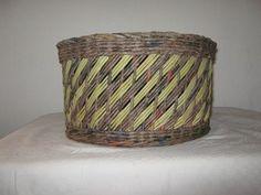 Návody - VZORY PLETENÍ :: Pletení z papíru Hanča Čápule Laundry Basket, Wicker Baskets, Creations, Weaving, Strato, Crafts, Home Decor, Dots, Patterns