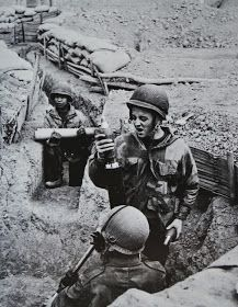 Dien Bien Phu: Dien Bien Phu, some pictures in memory - Part 3 Units relieving and first operations around the base, pin by Paolo Marzioli First Indochina War, Belle France, World Conflicts, French Foreign Legion, Indochine, Vietnam War Photos, French History, War Photography, French Army