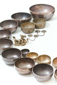 Mysterious Tibetan Singing Bowls Tibetan Singing Bowls are usually created from alloy of seven or more metals which were available in the metal rich region of Tibet (it is hard to carve a flute with no forests around). There are many uses for Singing Bowls and although the...