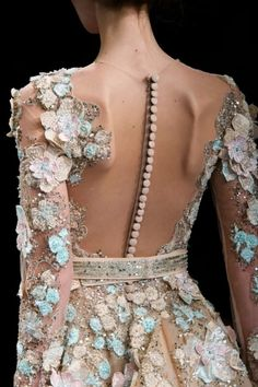 Ziad Nakad at Couture Spring 2017 - Details Runway Photos Source by theweddingscoop dresses Couture Fashion, Runway Fashion, Fashion Models, Womens Fashion, Fashion Photo, Elegant Dresses, Pretty Dresses, Beautiful Dresses, Couture Details