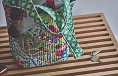 Missouri Star tutorial for cute tote bag- Order jelly roll from Missouri star -Mimosa frm Windham Fabrics