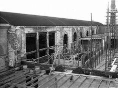 1951  bezig met nieuwbouw tegen de oude bouw