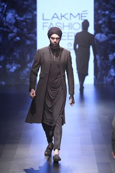 Lakme Fashion Week 2016 Dresses By Shantanu And Nikhil