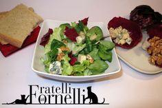 Ricetta Insalata Marina » Un insalata insaporita da noci e formaggio bleu d'Aoste, un nutriente e fresco modo per completare un pasto dopo un leggero secondo.